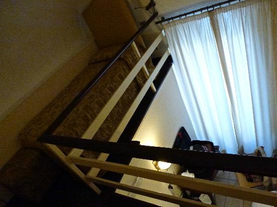 Lanzillotta Hotel: dall'alto al basso....