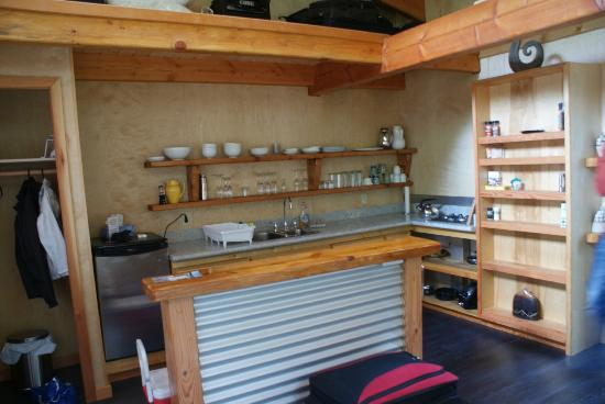The Savary Island Resort: Kitchen