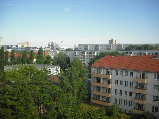 TRYP by Wyndham Berlin City East : Quiet neighborhood