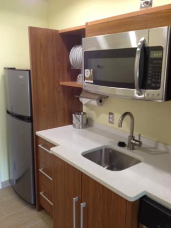 Home2 Suites Biloxi North / D'Iberville: love that they have a fridge and plates