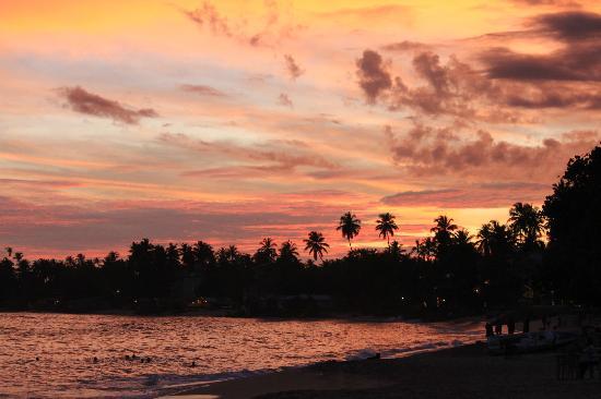 Tartaruga Hotel & Beach Restaurant: tramonto spettacolare dal Tartaruga