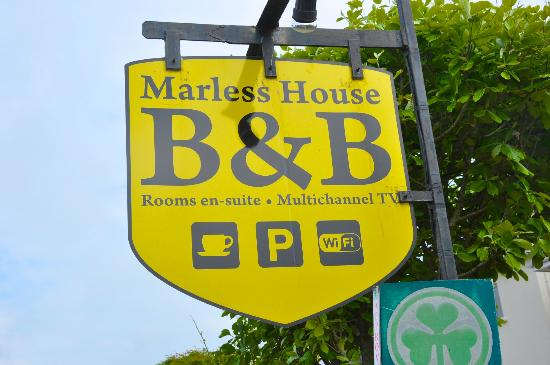 Marless House Bed & Breakfast: Entrance sign