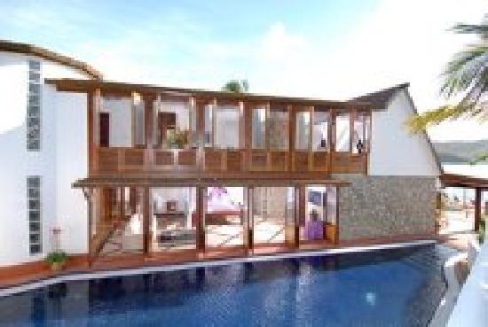 The Beach House @ Mount Hartman Bay Estate
