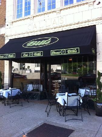 Owensboro, KY : Outdoor dining at Bill's