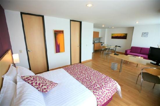 Novelty Suites Hotel: Standard Suite