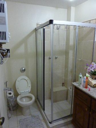 Rio Guest House ( Marta's Guest House): Shared bath
