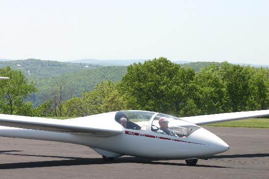 Harris Hill Soaring Center: In the Glider