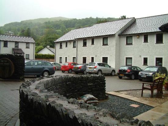 Quaysiders Club Ltd: Parking