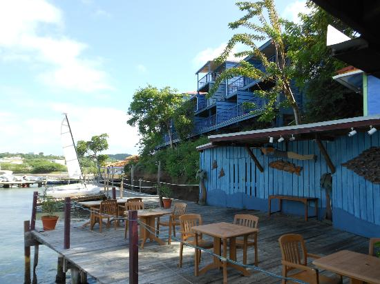 True Blue Bay Boutique Resort: Dodgey Dock Restaurant