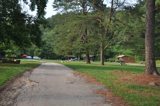 Fontana Marina: road entering campground