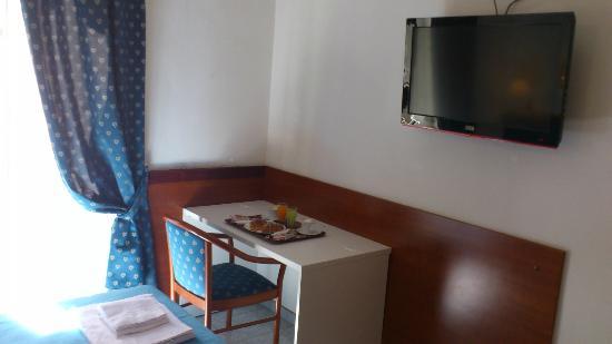 Hotel Ginevra: Room Inside