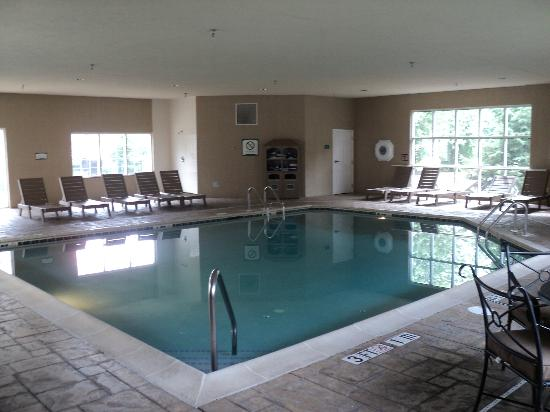 Staybridge Suites Philadelphia - Mt Laurel: Indoor Pool
