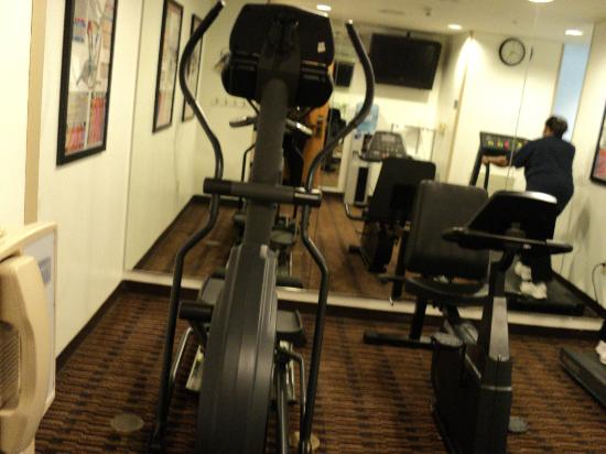 Staybridge Suites Philadelphia - Mt Laurel: Fitness Room