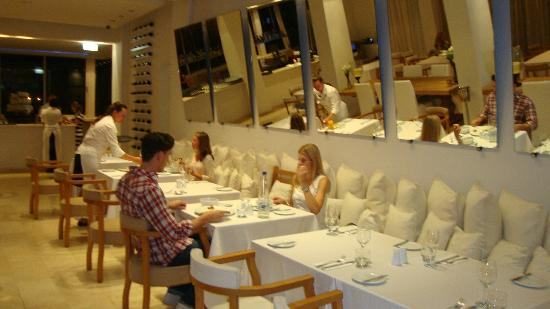 E Hotel Spa and Resort: Dinning time  at the Franke Restaurant