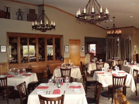 Bogey's Steak & Seafood: Bogey's dining room
