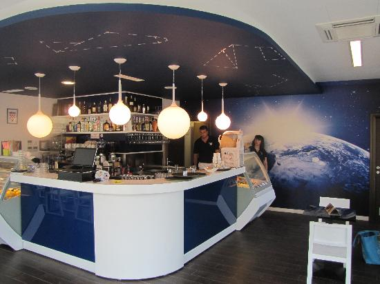 Caffe Pizzeria Blue Planet: Interior