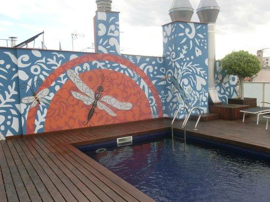 Hotel Ciutat de Barcelona : piscine sur la terrasse de l hotel