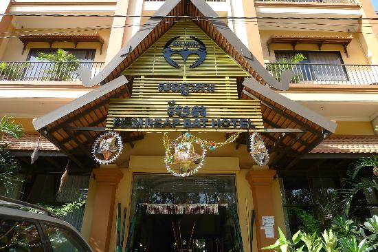 Siem Reap Bat Hotel : Hotel front view