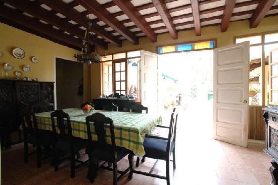Hostal Maria y Enddy: Dining room