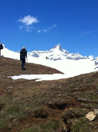 Hotel Antares: Hiking down the mountain from Rotenboden