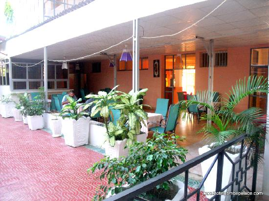 Yombe Palace Hotel : Restaurant external view