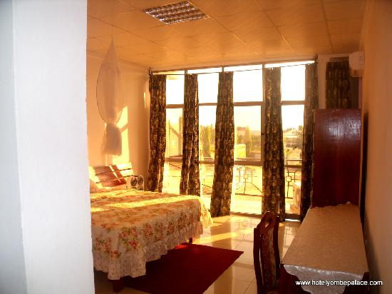 Yombe Palace Hotel : Inside a room