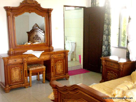 Yombe Palace Hotel : Another room