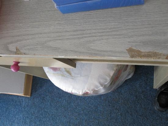 سول أوماج: Hotel Sol Umag & Dependance Park: table in my room