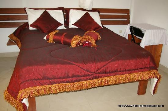 Yombe Palace Hotel : Room