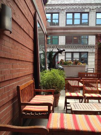Hotel Giraffe: 12th floor common area and bar