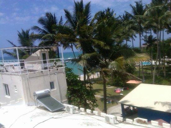 Kite Beach Inn: Beautiful view from our floor, room 401