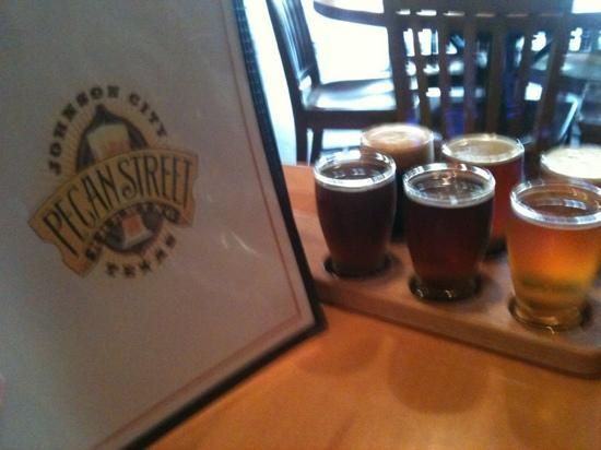 Pecan Street Brewing : Sampling of 6 beers