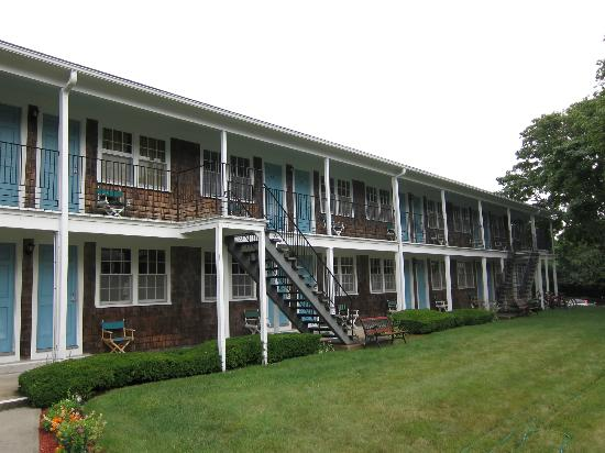 Colonial Village Motel & Cottages : We stayed on the 2nd floor