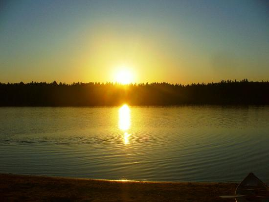Pog Lake Campground: Super Sunset!