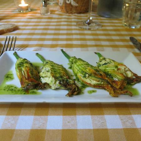 Locanda del Molino: Stuff Zucchini Flowers - Gorgeous and very appetizing