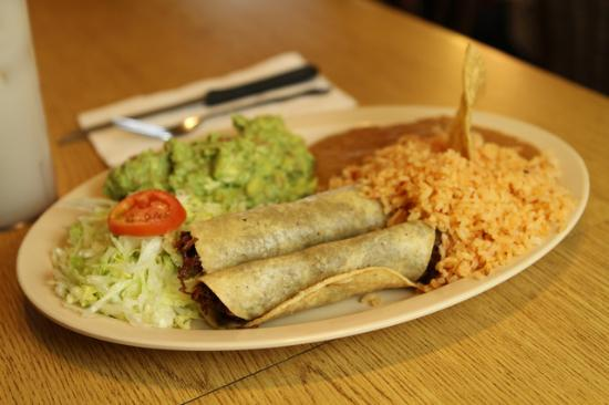 Photo of Mexican Restaurant El Tepeyac at 812 N Evergreen Ave, Los Angeles, CA 90033, United States