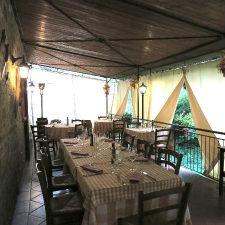 Locanda del Molino: Summertime terrace - lovely seating - very romantic