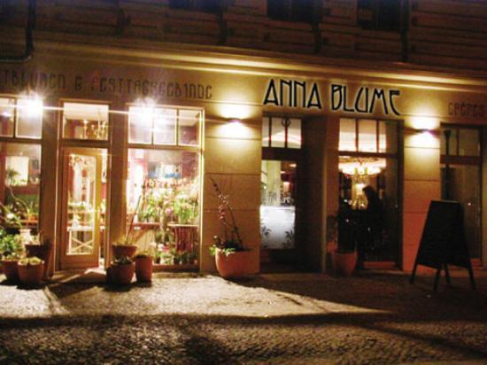 Cafe Anna Blume: Caf� Anna Blume