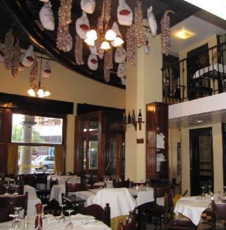 Dora Restaurant: Restaurant Dora