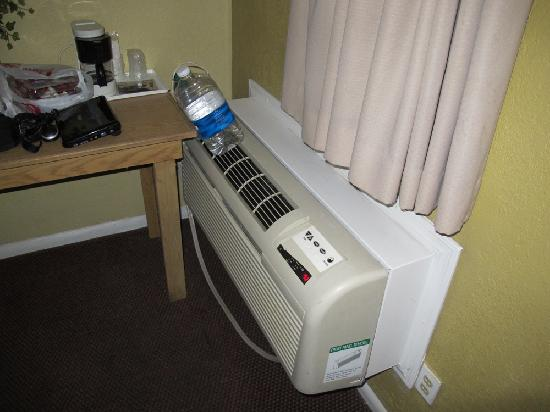 Travelodge Phoenix Downtown: Air conditioning