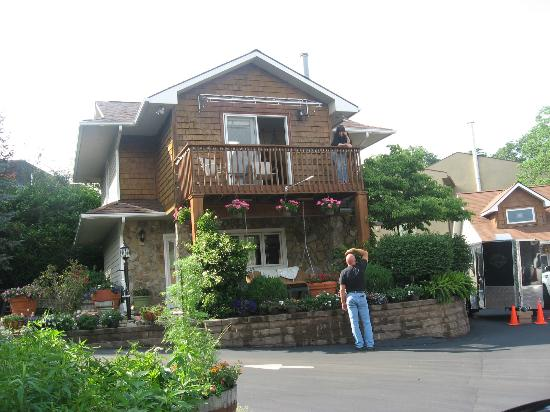 Alpine Village Inn: Part of the inn