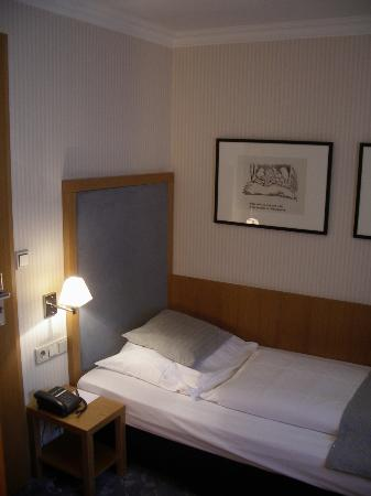 Townhouse Hotel : My room