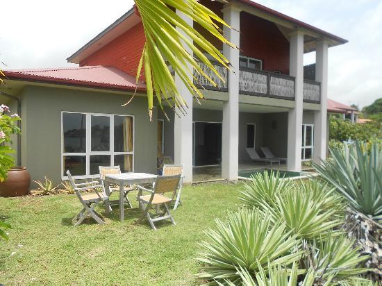 Le Cap Est Lagoon Resort & Spa : suite de notre jardin
