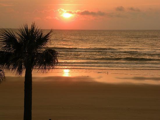 Beach at Daytona Beach: sunrise!