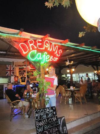 Dreams Cafe Bar: Hakan