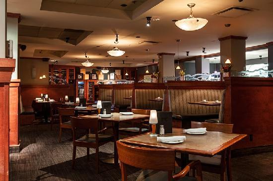 Four Points by Sheraton Kamloops: Rics Grill Restaurant