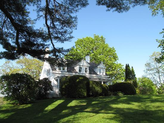Photo of Oak Gables Bed & Breakfast Damariscotta