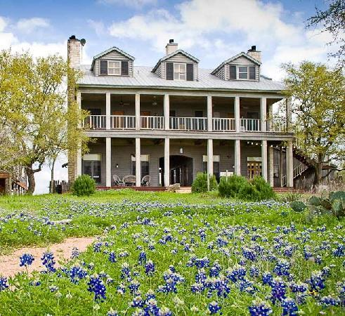 Sage Hill Inn Above Onion Creek: Romantic Hill Country Bed and Breakfast