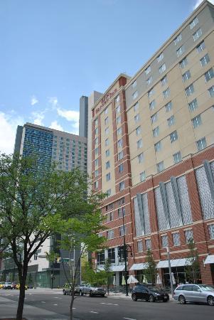 Hilton Garden Inn Denver Downtown : The front of the Hotel