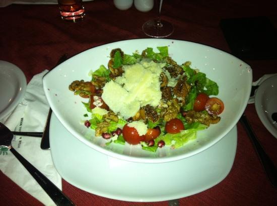 Olive Tree Restaurant: salad